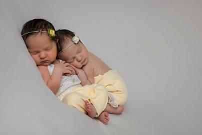 Babies Twin Chloe Zoe Newborn Photos-1026