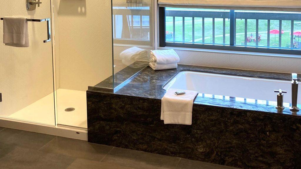 Gaylord Suite Bathroom
