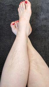 Natural leg hair women